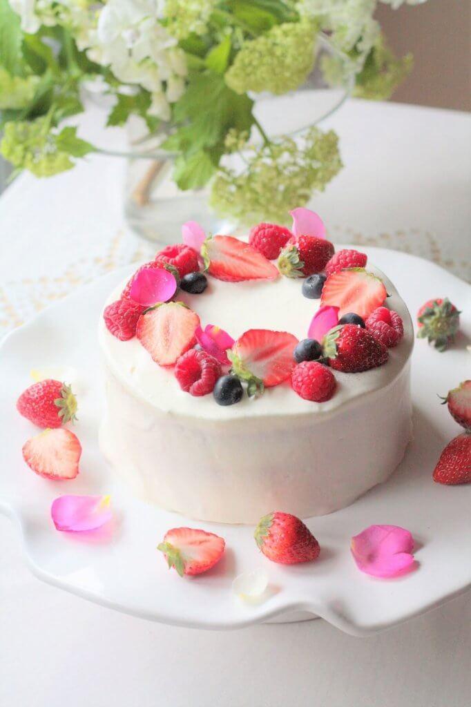 Strawberry cake baking class