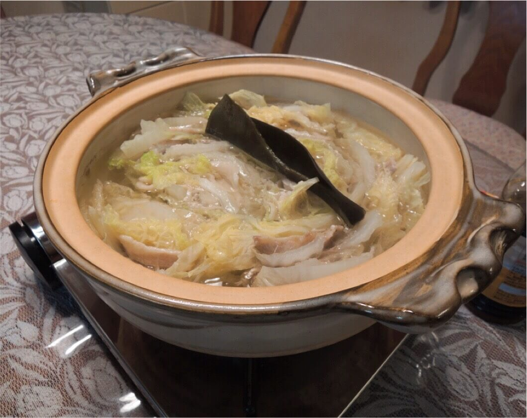 Enjoy Nabe with my family! Nabe is a Japanese style hot-pot dish