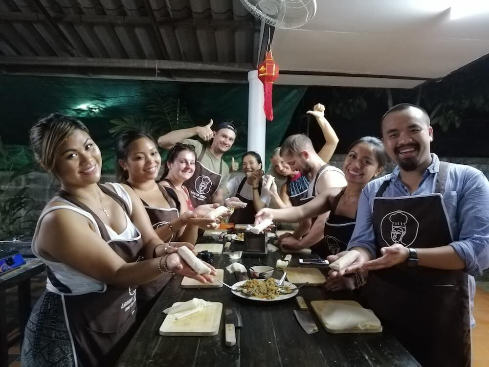 Morning Traditional Thai Cooking Class (8.00 AM-1.30 PM)