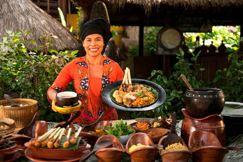 Traditional Indonesian Cooking Class with Recipes from Past Generations