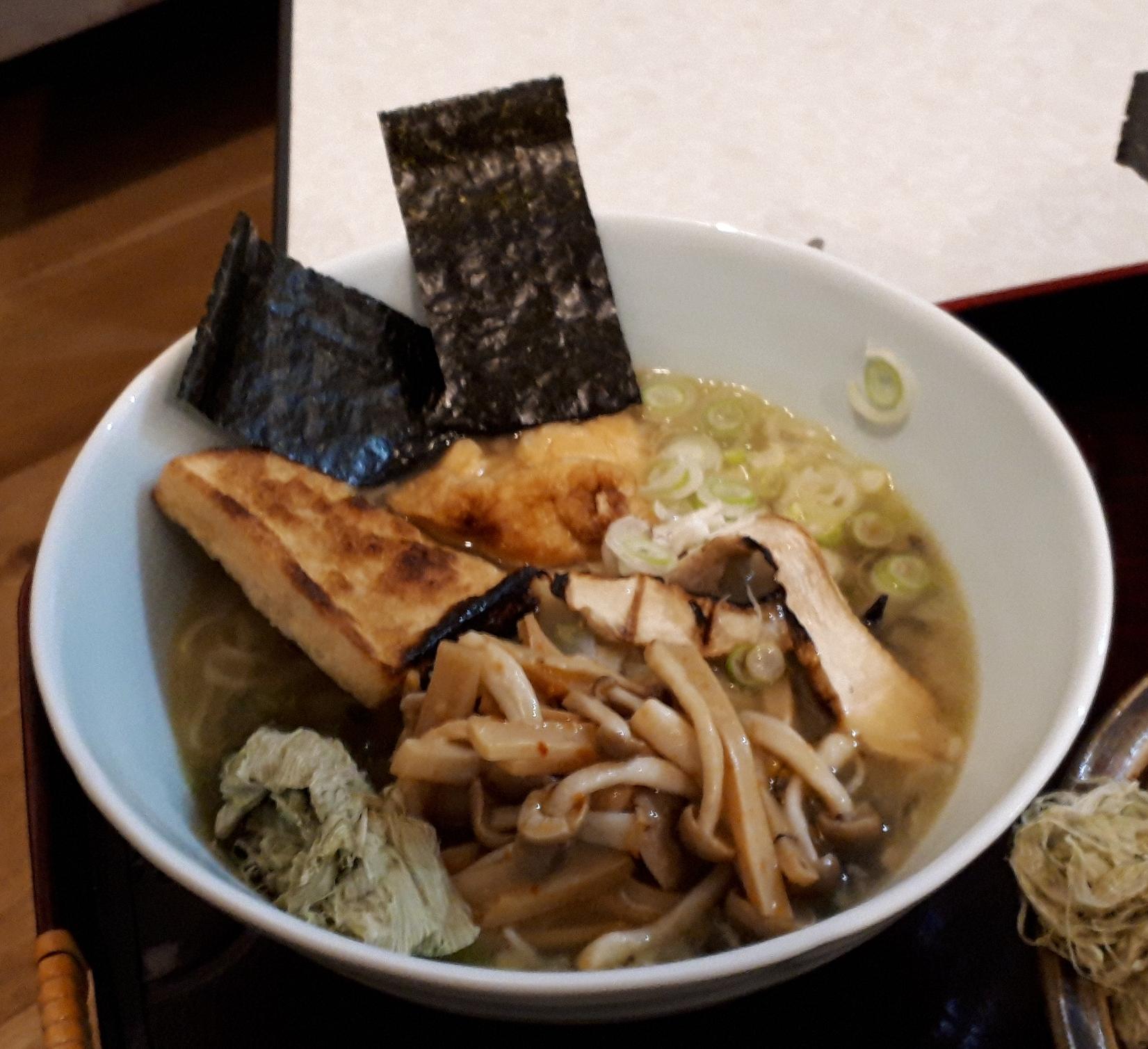 Vegan Ramen with some Tofu.