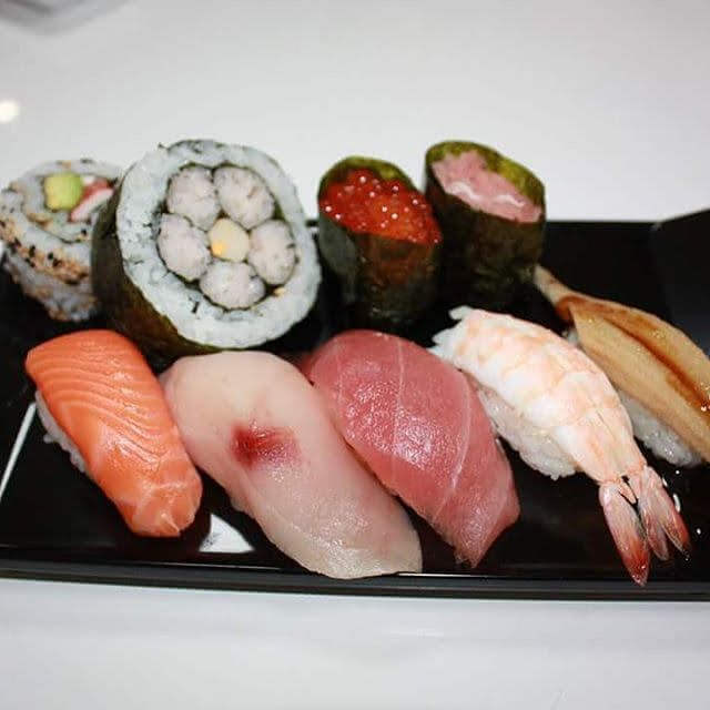 Let's make 7 kinds of Nigiri Sushi and arrange all sushi you created on the plate.