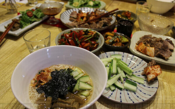 Authentic Korean Cooking with Herbal Medicine and Local Market Tour