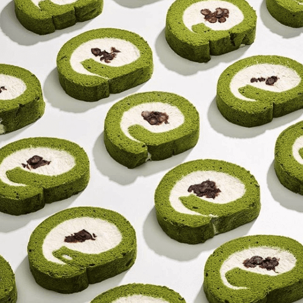 Green tea Swiss roll