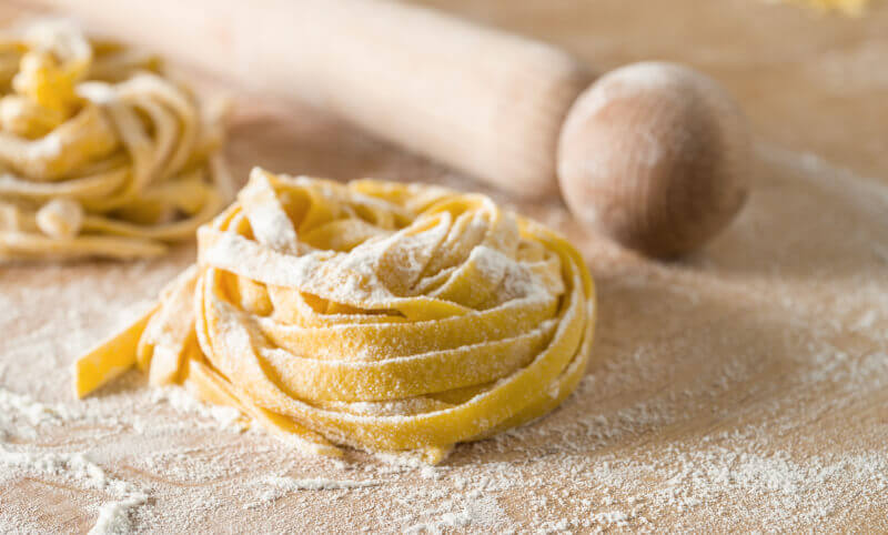 FETTUCCINE MAKING WITH ROMAN MEAL