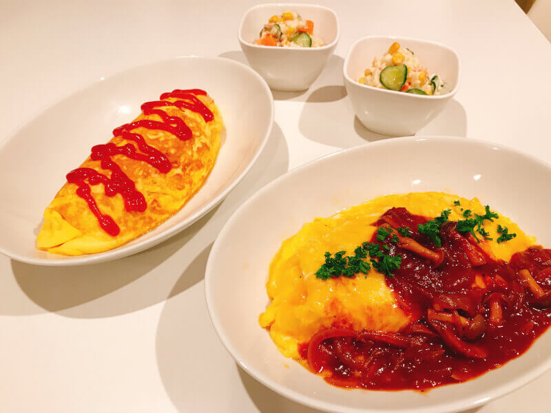 Fluffy Omurice (Omelette Rice) and Strawberry Daifuku
