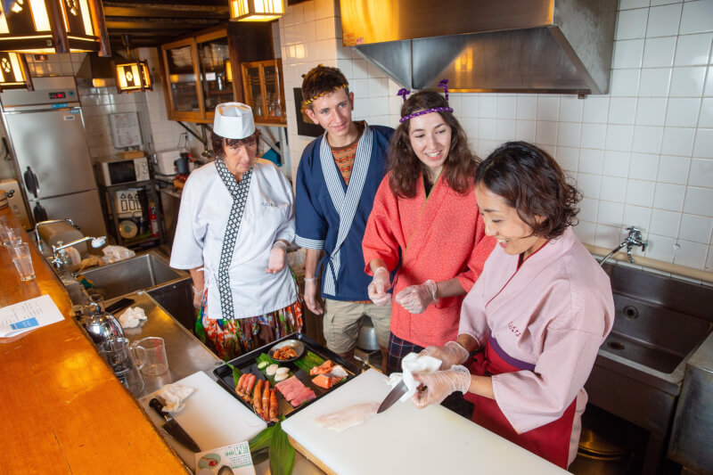 Sushi Chef Experience!Carefully-Selected Ingredients from Kuromon Market!