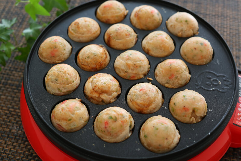 【Daikokucho】Takoyaki with your favorite ingredients : to 1 stop from Namba station(Midosuji line or Yotsubashi line)