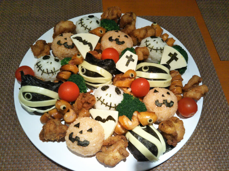 Japanese Halloween party plate ( rice ball)