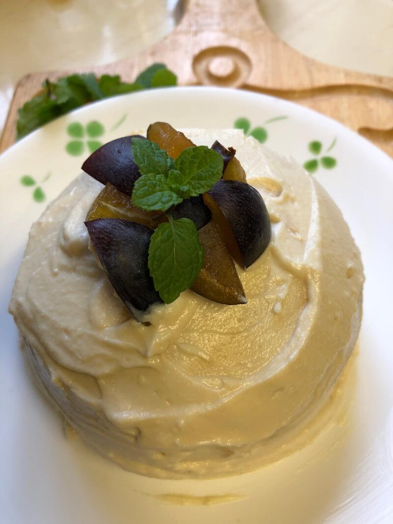Hhole cake