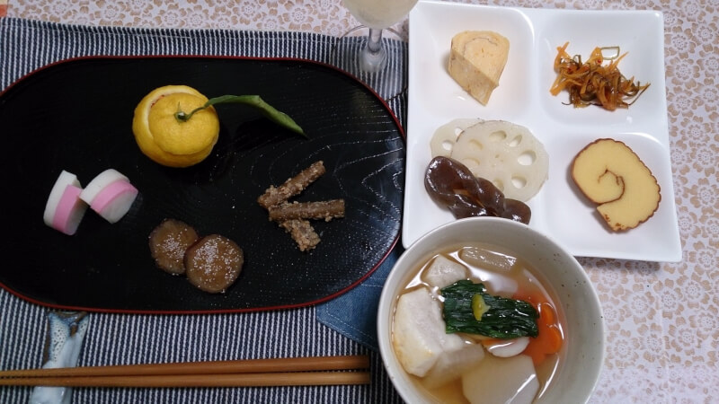 Onigiri and Kenchin soup to taste in Kamakura