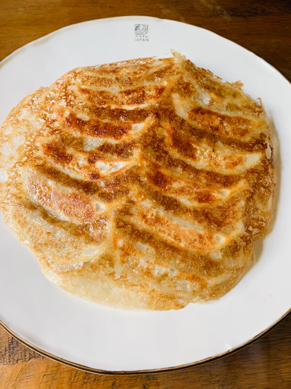 【Fried Gyoza Chinese dumpling is called 'gyoza' in Japan.Gyoza is also popular as home cooking(Pork or vegetarian)