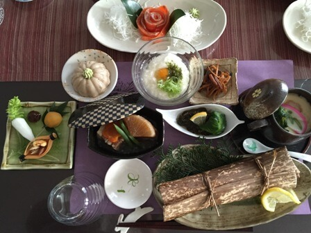 Former, general of a hotel in Tsumagojuku teaches Japanese hospitality dishes (^^)
