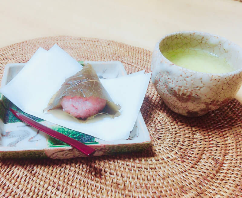 Let's make sakura mochi at home in Japan.