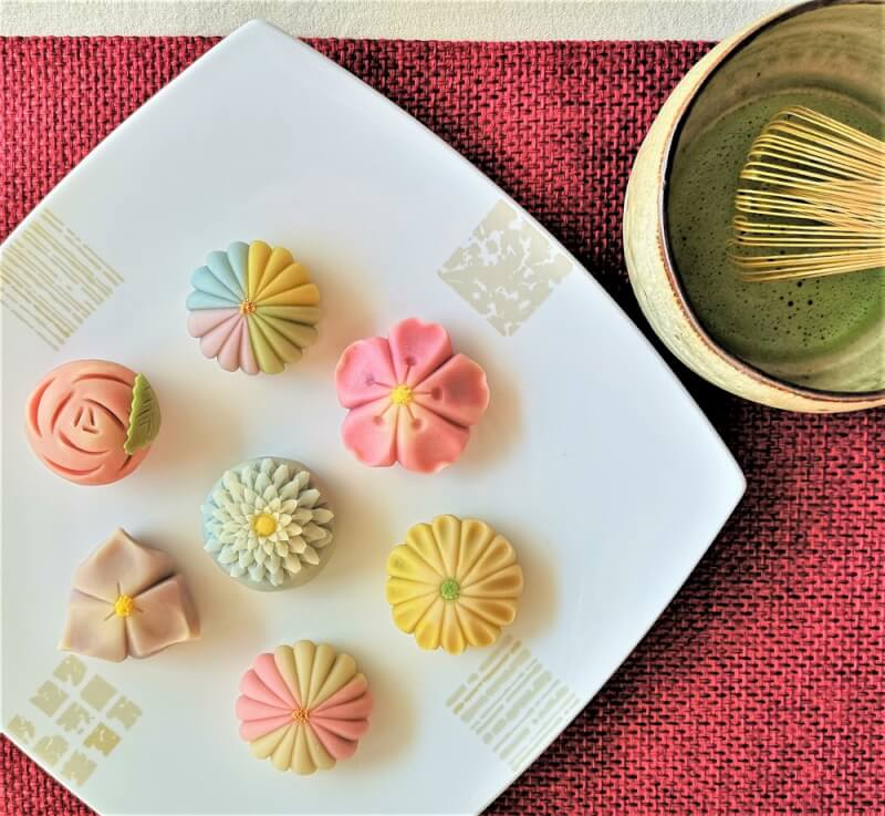 Traditional Japanese sweets & Matcha tea