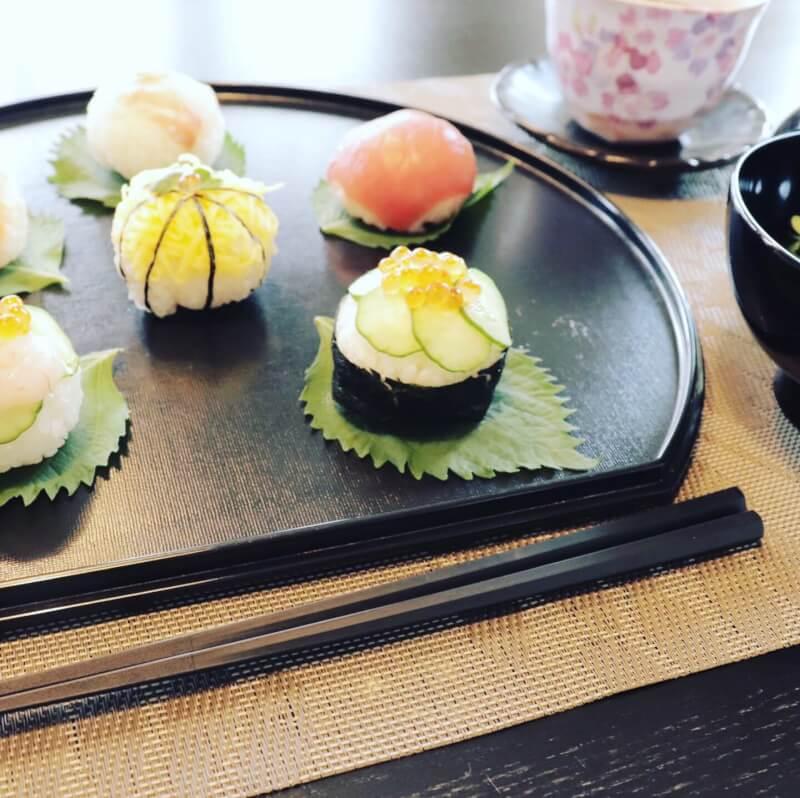 The O M O T E N A S H I cooking between Nara and Kyoto.Temari sushi is girls festival dish!