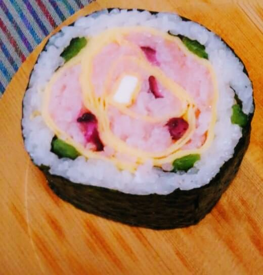 Simple decorative sushi
