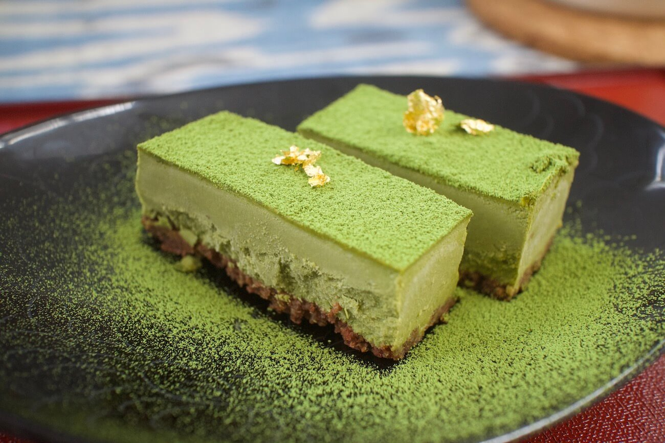 Green tea (Matcha)Raw cake