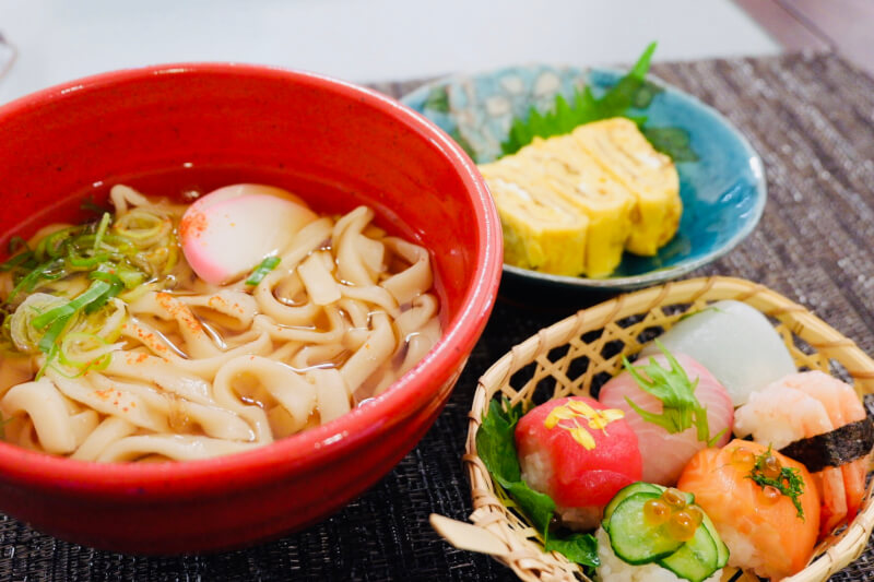 Make Udon Noodles from Scracth and Temari Sushi Cooking Class