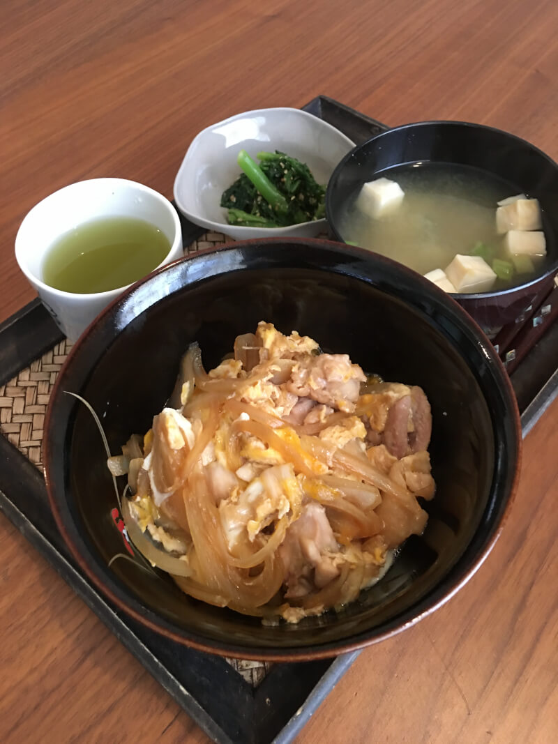 Cook Japanese popular home made dish, Oyakodon!! Cheap and nice!