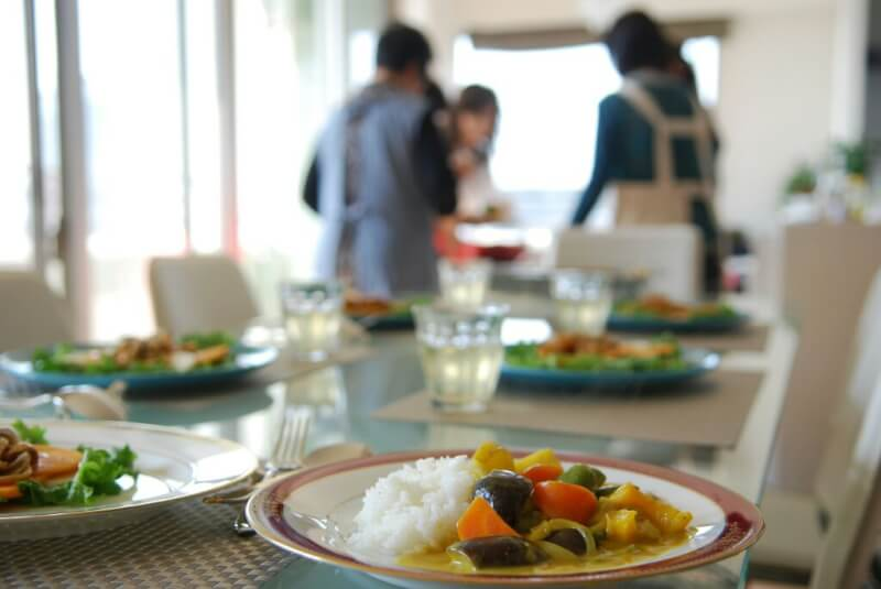Eat vegetable dishes