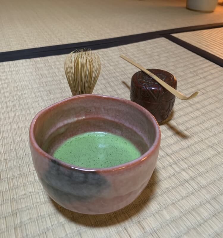 ~The tea ceremony with kimono at 300 years samurai house.
