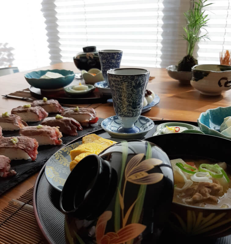 Fun and Easy cooking lessons to make beautiful, traditional Japanese dishes !