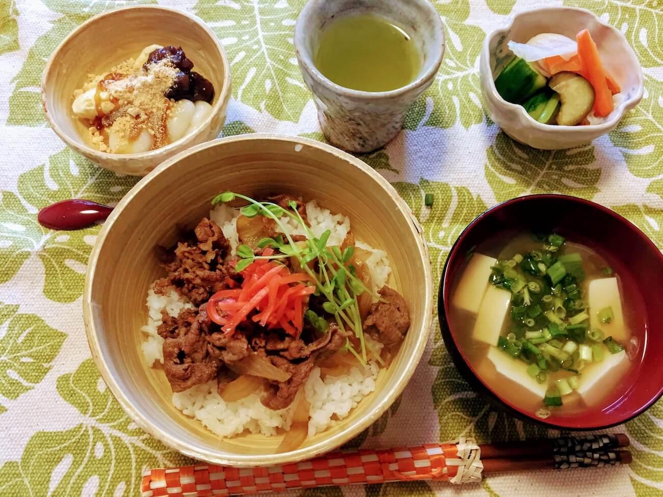 Gyu-don Japanese beef bowl