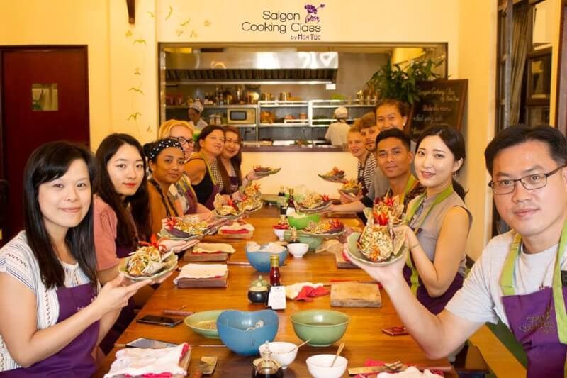 Market tour & hands-on Vietnamese cooking class