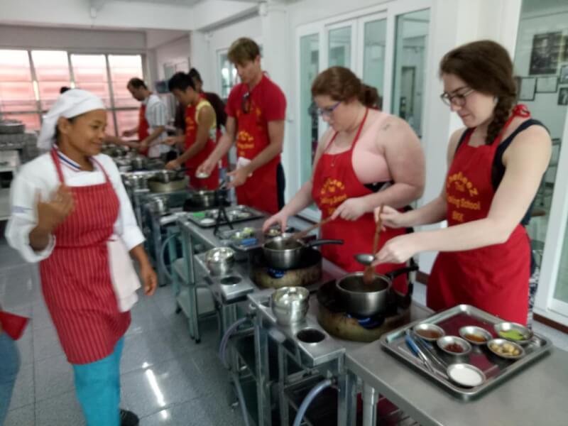 12 DIsh Traditional Thai Cuisine Cooking Class Bangkok |Chef LeeZ