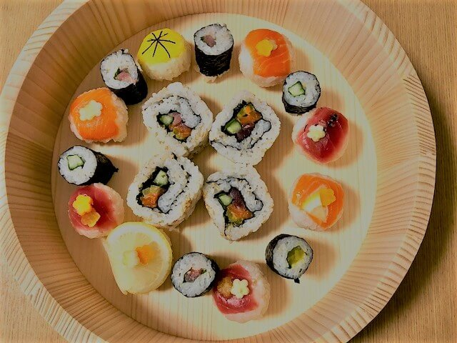 Healthy Brown rice sushi of Tuna and Salmon making course