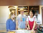 cooking-class-host-Hikari