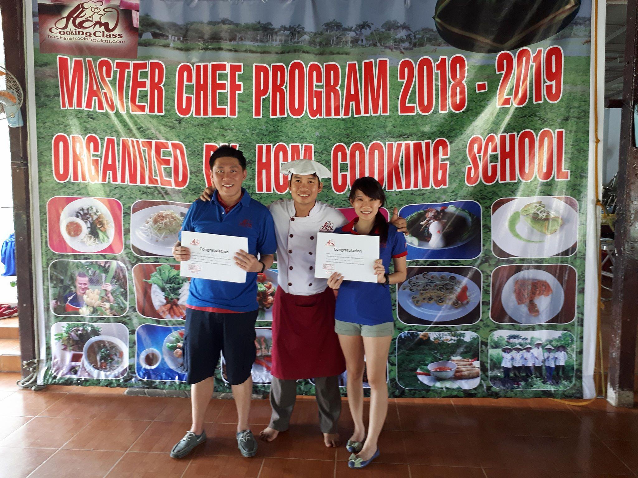 cooking-class-host-Tan