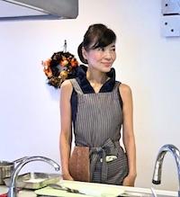 host-Emi