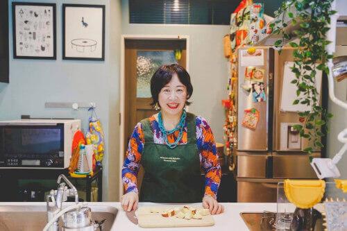 cooking-class-host-Nahoko