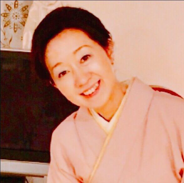 host-Mayumi